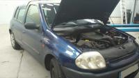 Réparation d'une pane éléctrique sur une Renault Clio 2