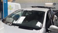 Changement du pare brise sur une Volkswagen Golf 5