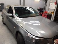 Remplacement d'un pare brise sur une BMW e60